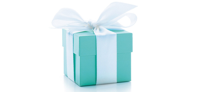Tiffany_luxury_blue_box_packaging_deisgn_designpacakgign_jewelry_ring_ribbon_bow