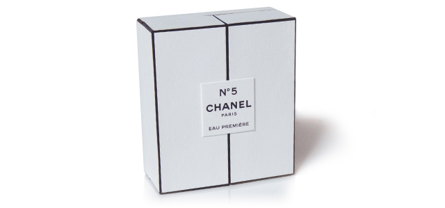 Chanel_luxury_white_box_packaging_deisgn_designpacakgign_fragrance_runway_sampler